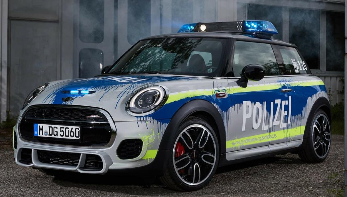 mini fashion polizia tedesca