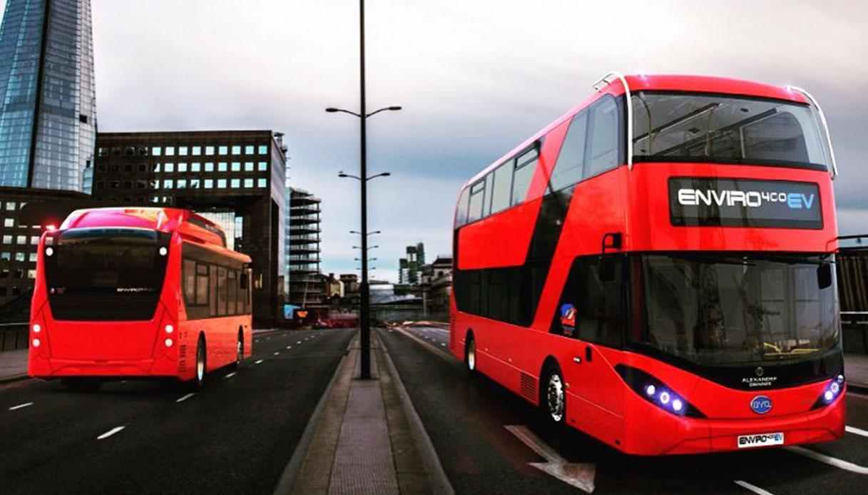 Autobus elettrici a due piani a Londra