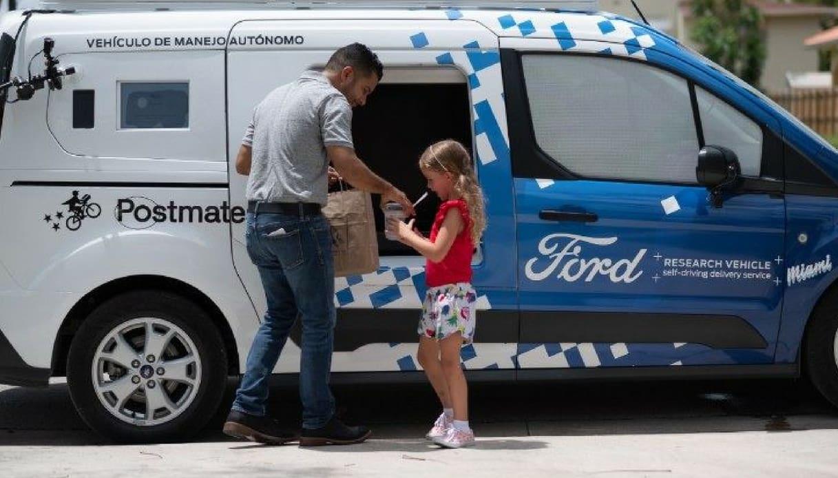 consegna domicilio guida autonoma ford