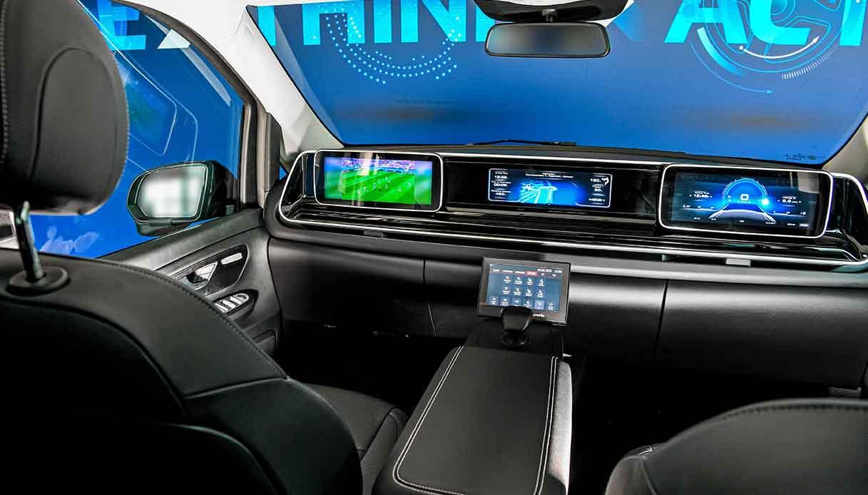 L'auto del futuro non avrà volante e pedali