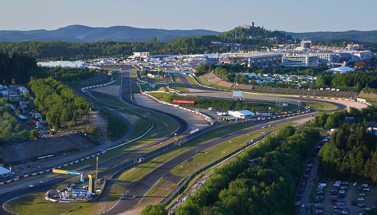 Tutto sul circuito del Nurburgring la leggenda, i record e i test in pista