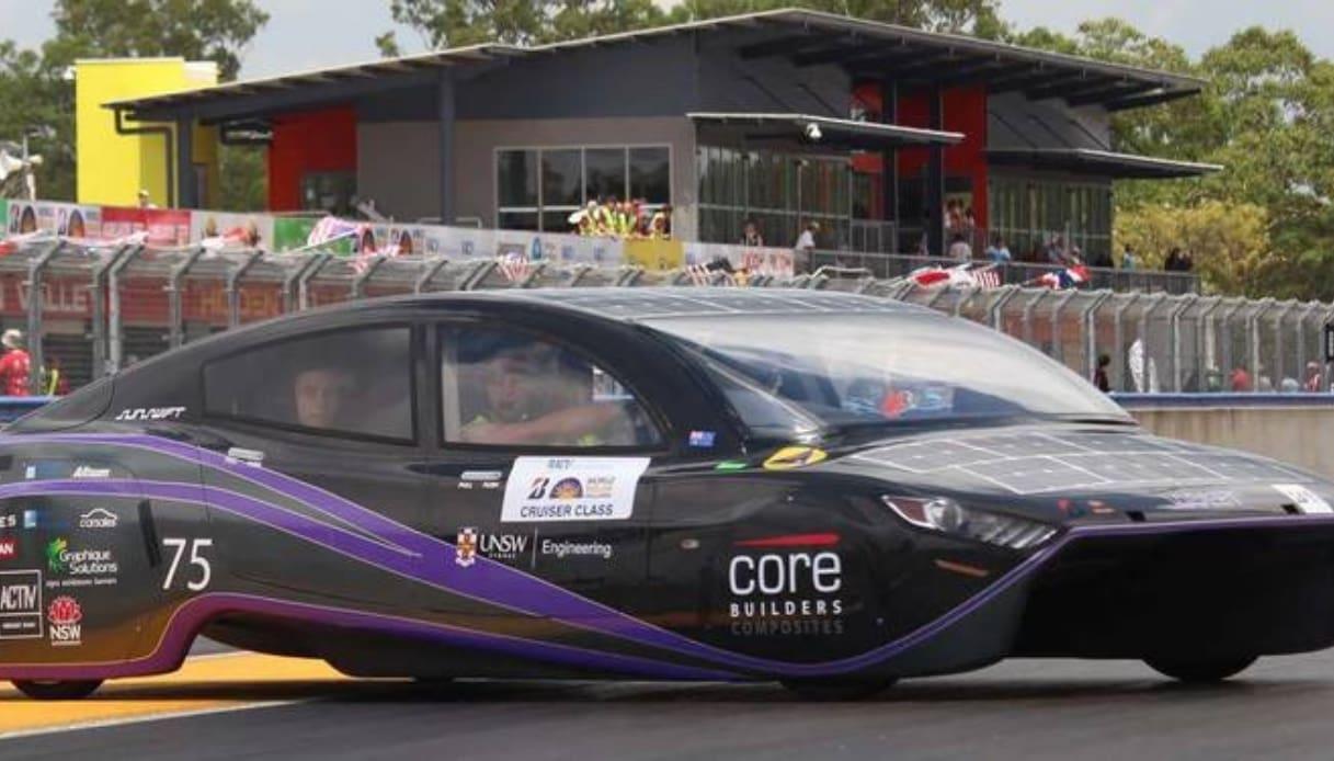 auto solare record