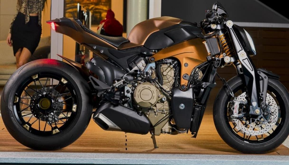 v4 penta motor bike expo
