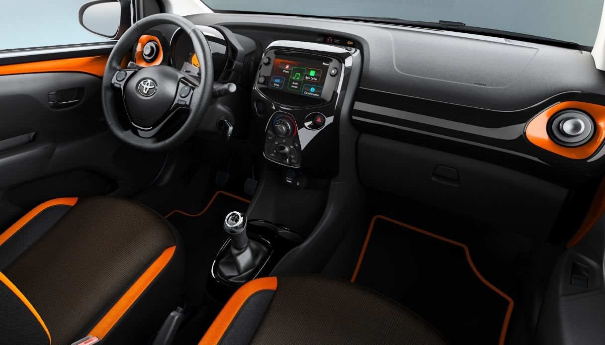 toyota aygo connected