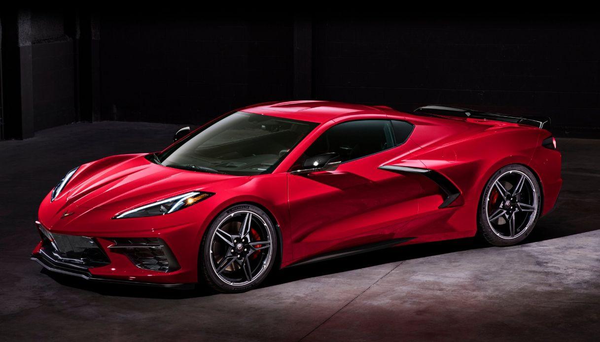 Chevrolet Corvette, presentata la prima auto a motore centrale
