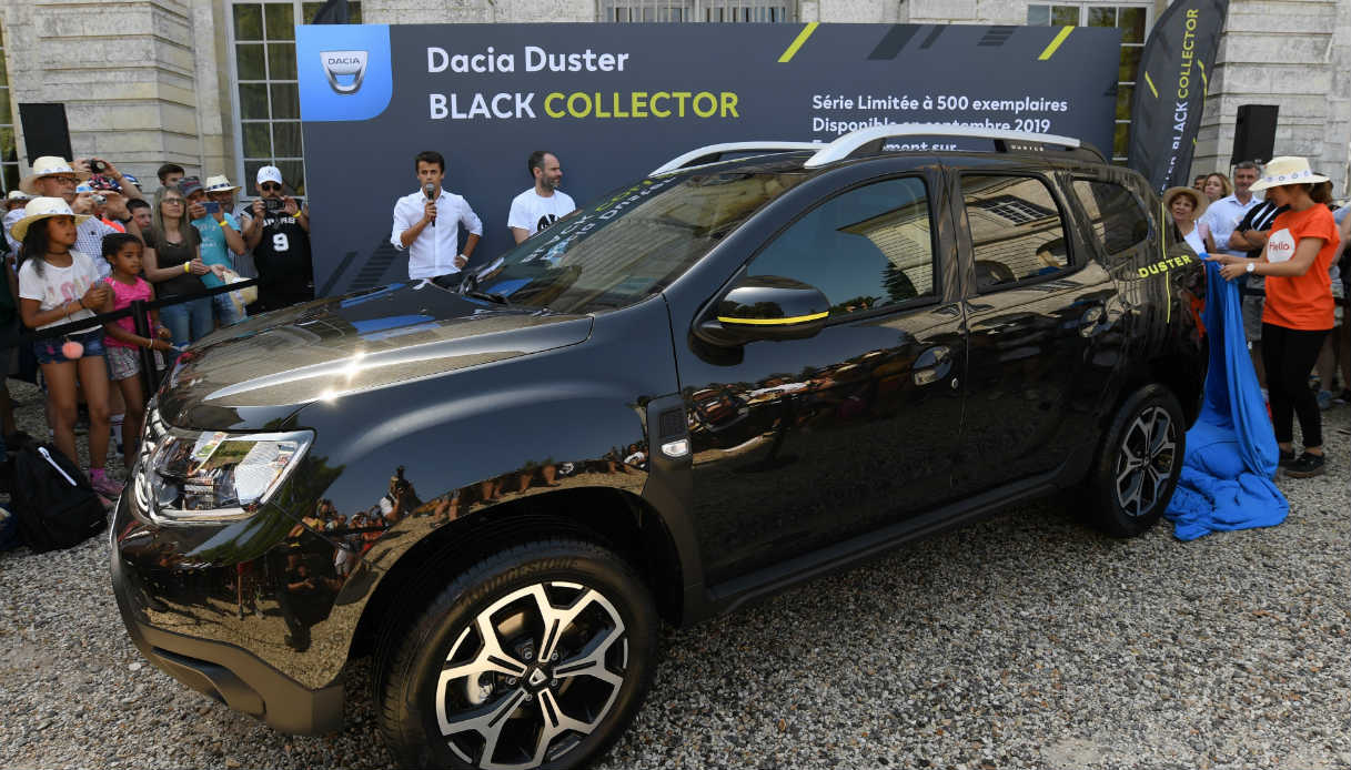 dacia duster black collector