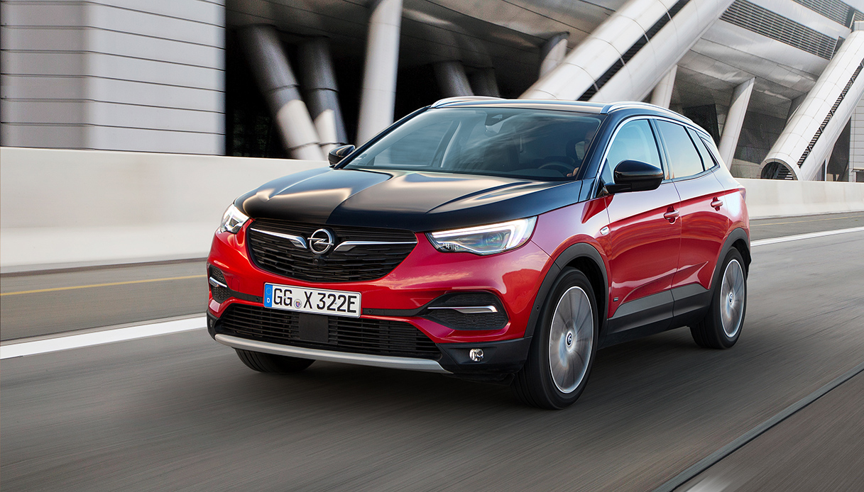 Opel Grandland X ibrida