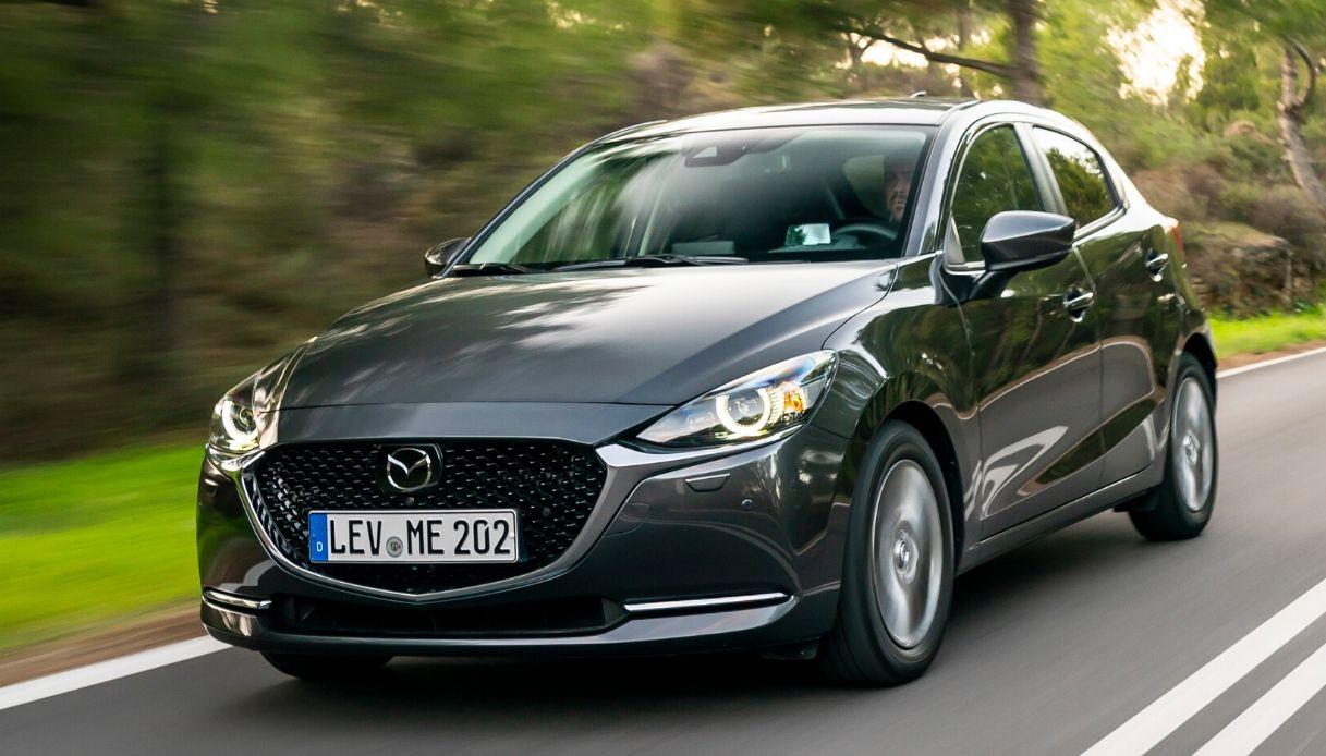 2020-Mazda2